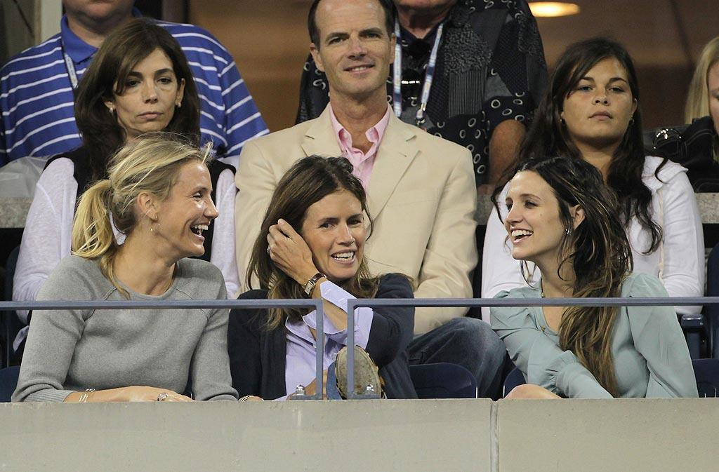 "Cameron Diaz and Ashlee Simpson shared a few laughs while watching Roger Federer defeat Austria's Jurgen Melzer in straight sets at the U.S. Open tournament in New York Monday. Juan Soliz/<a href=""http://www.pacificcoastnews.com/"" target=""new"">PacificCoastNews.com</a> - September 6, 2010"