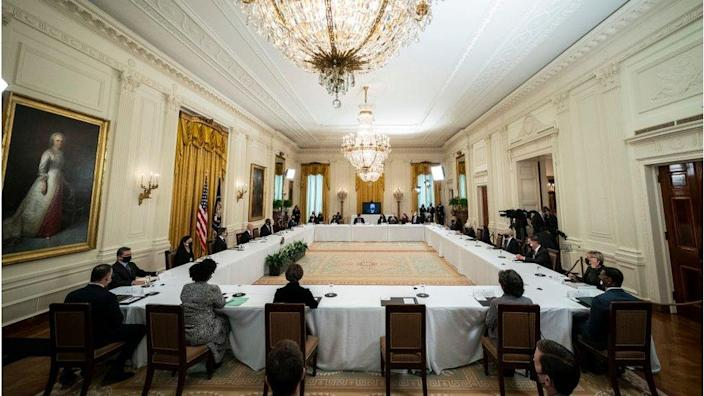 Biden chairs his first cabinet meeting