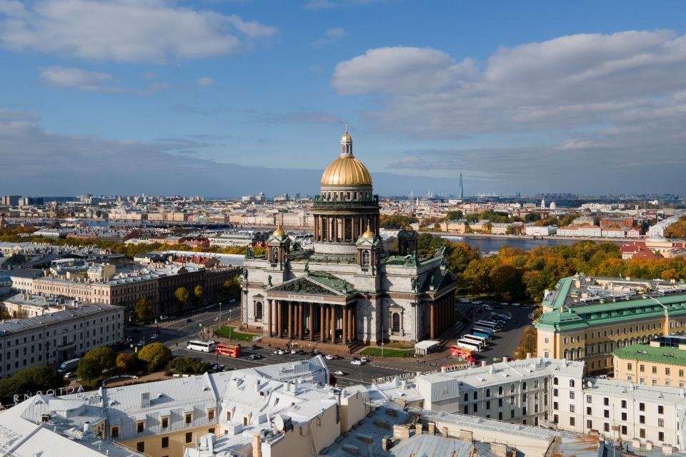An aerial view shows St. Isaac's Cathedral, which will host the wedding of Grand Duke of Russia George Romanov and his Italian fianc?e Victoria Bettarini, in central Saint Petersburg, Russia September 30, 2021. Grand Duke George Mikhailovich Romanov, the Head of the Russian Imperial House Grand Duchess Maria's son, will marry Victoria Romanovna Bettarini on October 1, 2021 as the country's first royal wedding since the Russian Revolution of 1917 will take place in the city of St Petersburg, which used to be the capital of the Russian Empire. Picture taken with a drone. REUTERS/Anton Vaganov