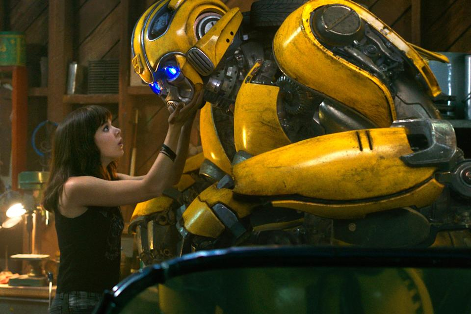 Hailee Steinfeld and her Autobot friend Bee (Paramount)