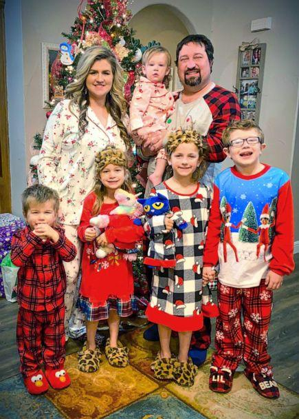 PHOTO: Peyton Copeland, 5, poses with her family on Dec. 25, 2020. (Courtesy Tara Copeland)