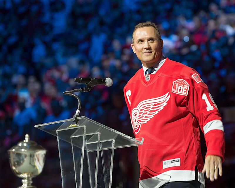 Detroit Red Wings officially name Steve Yzerman general manager