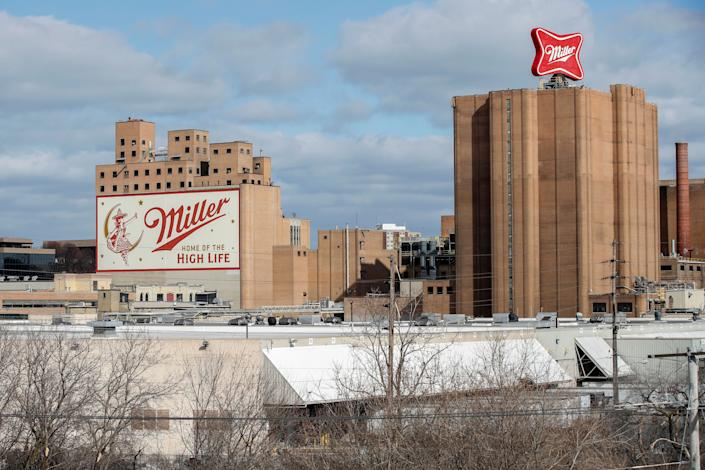 Former and current employees at the Molson Coors Brewing Co. in Milwaukee have said that they have experienced acts of racism at the facility. (Photo: Kamil Krzaczynski via Getty Images)