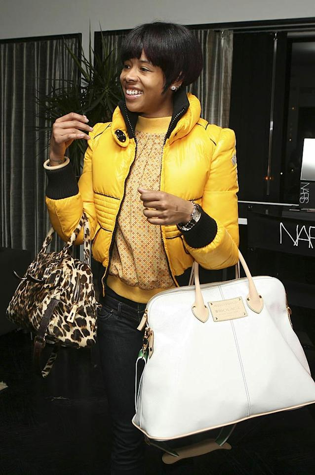 "Singer Kelis brought not one but two bags to load up on freebies. Rebecca Sapp/<a href=""http://www.wireimage.com"" target=""new"">WireImage.com</a> - February 20, 2008"