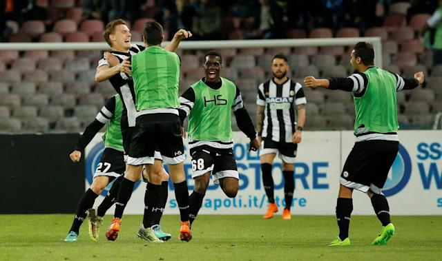 Soccer Football - Serie A - Napoli vs Udinese Calcio - Stadio San Paolo, Naples, Italy - April 18, 2018 Udinese's Svante Ingelsson celebrates with substitutes after scoring their second goal REUTERS/Ciro De Luca