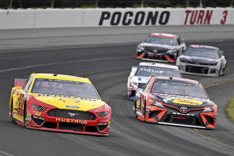 Hamlin stamps himself a championship contender at Pocono