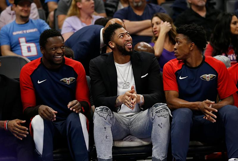 Anthony Davis Wears Perfect T-Shirt For Final Pelicans Game