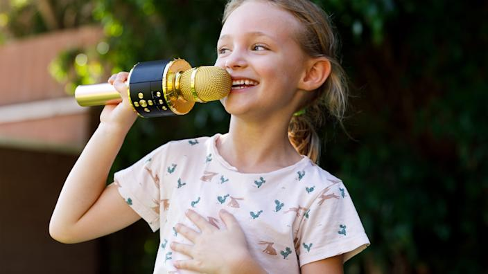 Gifts for kids: Bonaok microphone
