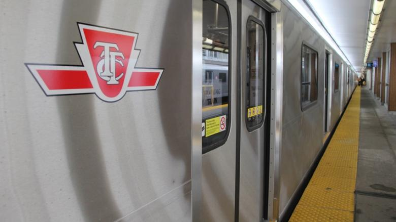 Cracked rail at Bloor station causing longer than normal subway travel times on Line 1