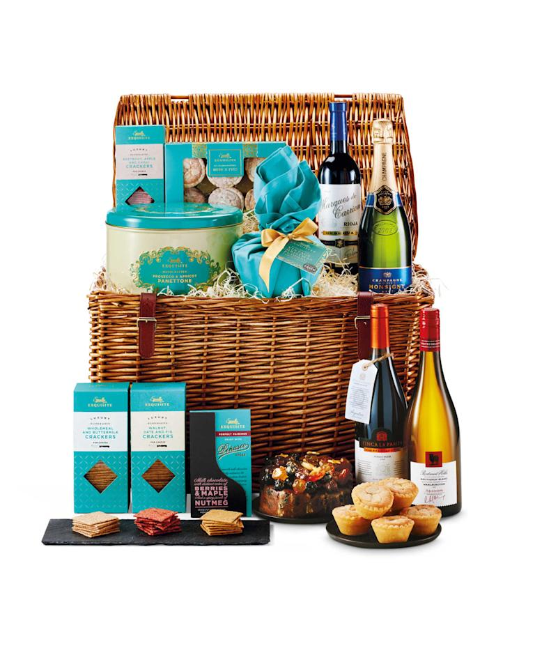 Aldi S Luxury Christmas Hamper Is Back For Under 163 100