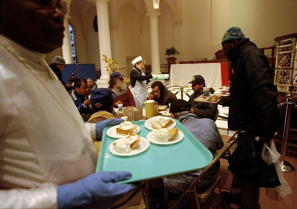 Volunteering at a soup kitchen this year can still happen, as long as certain safety protocol are being followed, say experts. (Photo: Susan Watts/NY Daily News Archive via Getty Images)