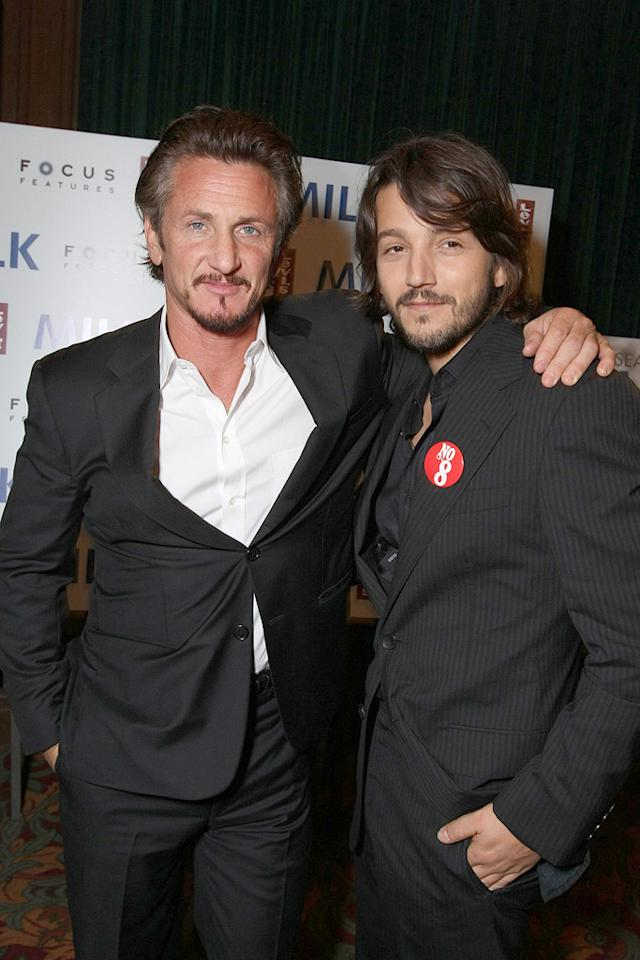 "<a href=""http://movies.yahoo.com/movie/contributor/1800019044"">Sean Penn</a> and <a href=""http://movies.yahoo.com/movie/contributor/1804575242"">Diego Luna</a> at the San Francisco premiere of <a href=""http://movies.yahoo.com/movie/1810041985/info"">Milk</a> - 10/28/2008"