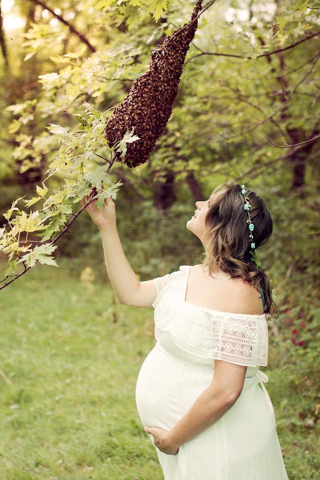 """<p>""""I had been called to a swarm removal that morning so I fed those bees sugar to make sure they would be content and gentle enough to work with,"""" says Mueller.<br /><em>[Photo: SWNS]</em> </p>"""