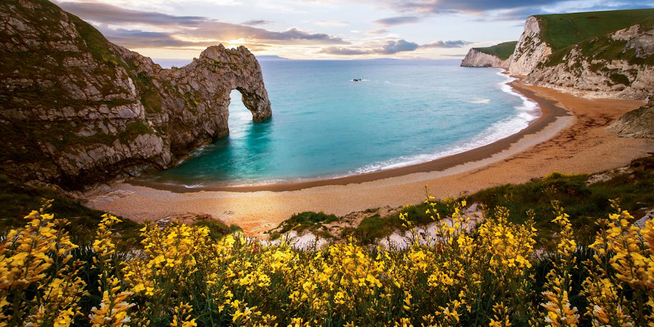 <p>39 reasons to drop everything and book your summer vacation now.</p>