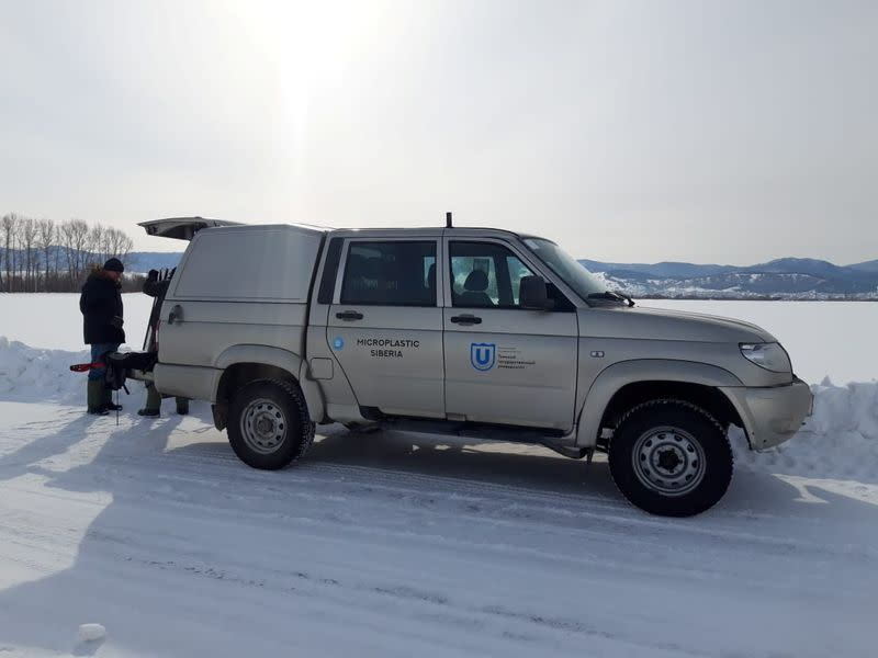 Researchers collect snow samples to investigate microplastic pollution levels in Yamalo-Nenets Autonomous Region
