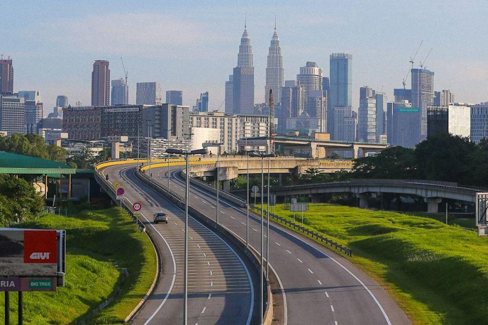 A general view of the near-deserted Maju Expressway in Kuala Lumpur June 2, 2021. — Picture by Yusof Mat Isa