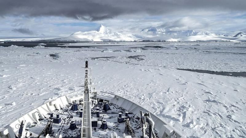 Cruise Ship Spends Christmas Stuck in Ice Off Antarctica