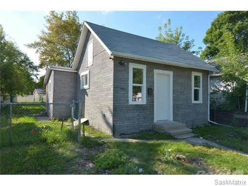 <p>No. 20: <span>345 Avenue S South</span><br> Saskatoon, Sask.<br> $124,900<br> 480 square feet<br> (Point2Homes) </p>