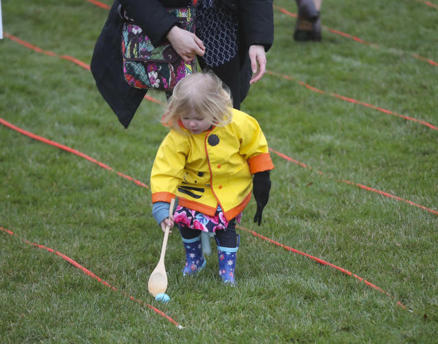 <p>A child participates in the annual White House Easter Egg Roll on the South Lawn of the White House in Washington, Monday, April 2, 2018. (Photo: Pablo Martinez Monsivais/AP) </p>