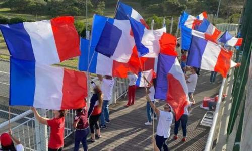 Loyalist supporters of France are urging a 'non' vote in Sunday's independence referendum.
