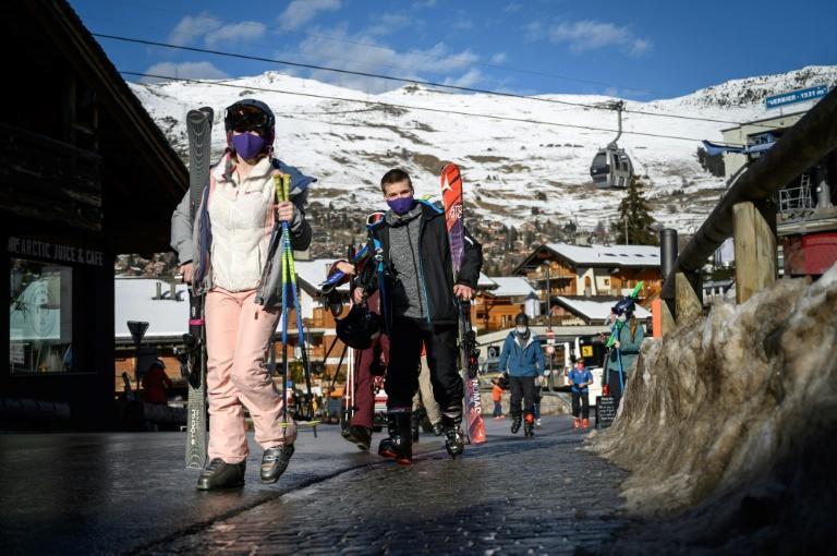 Switzerland's ski resorts were set to boom with snow-seeking British tourists -- but a flight ban due to the new Covid-19 variant raging in England put those plans on ice