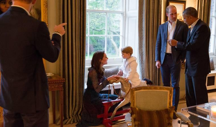 These Photos of Prince George Saying Hi to Barack Obama Are Face-Meltingly Cute