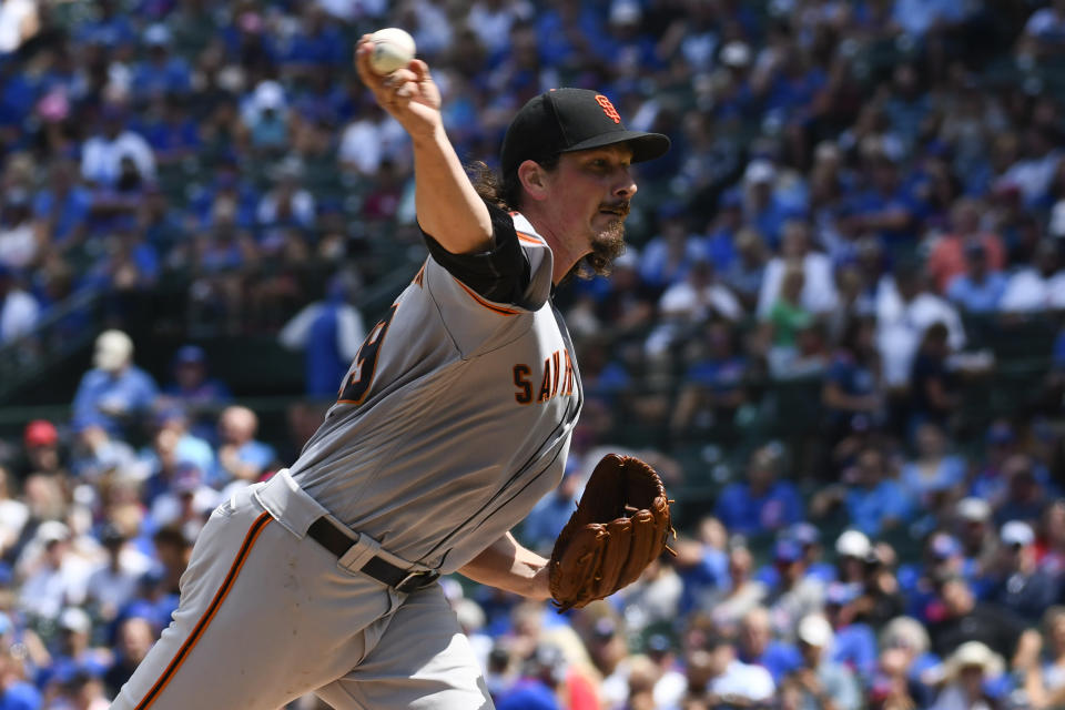 San Francisco Giants starting pitcher Jeff Samardzija (29) delivers during the second inning of a baseball game against the Chicago Cubs Thursday, Aug. 22, 2019, in Chicago. (AP Photo/Matt Marton)