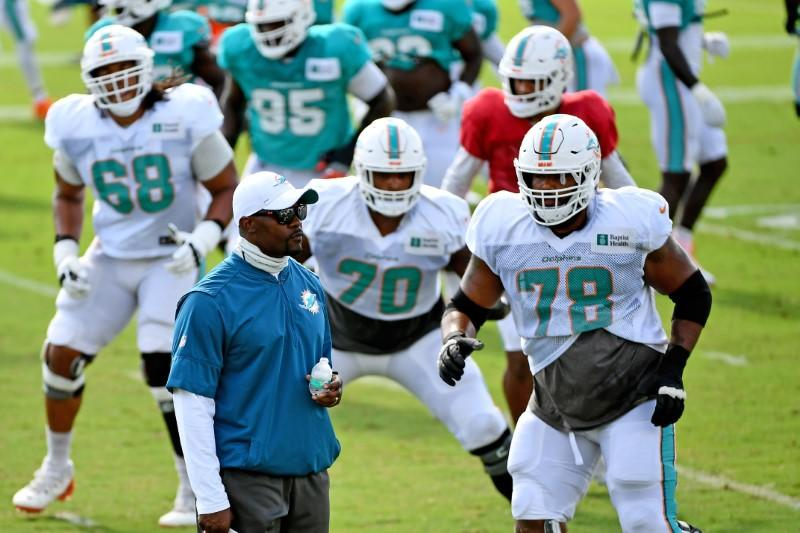 NFL: Dolphins say they will stay in locker room during national anthems