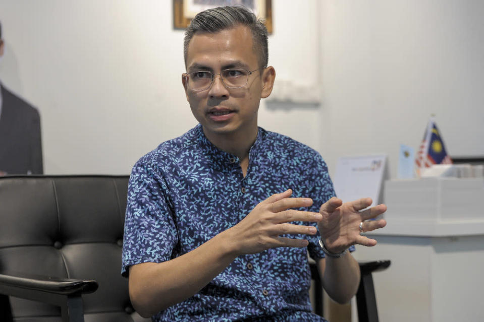 Lembah Pantai MP Fahmi Fadzil advised the religious affairs minister to focus more on the halal meat cartel issue rather than the case of Christmas wording on a cake. — File pcture by Shafwan Zaidon