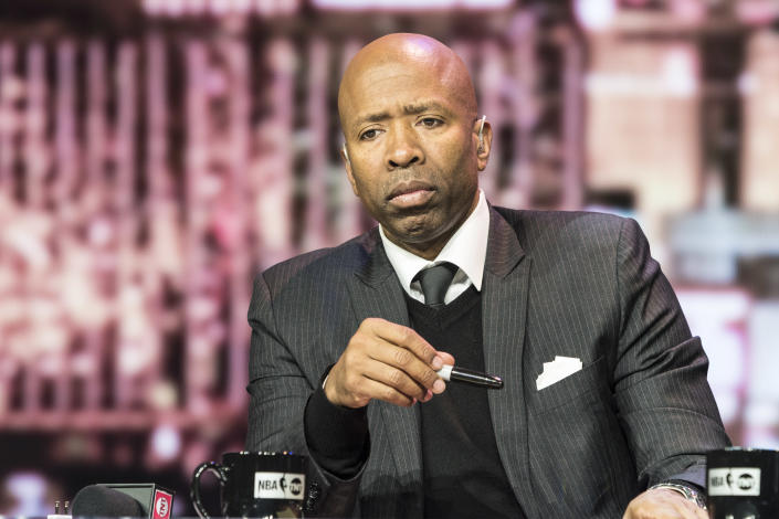 """TNT's Kenny Smith left the set shortly after the start of Wednesday's """"NBA on TNT"""" broadcast. (Damairs Carter/MediaPunch/IPX/File photo)"""