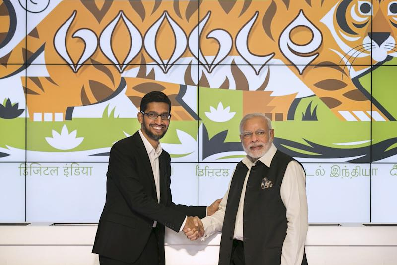 India's Prime Minister Narendra Modi (R) shakes hands with Google CEO Sundar Pichai at the Google campus in Mountain View, California September 27, 2015. REUTERS/Elijah Nouvelage TPX IMAGES OF THE DAY