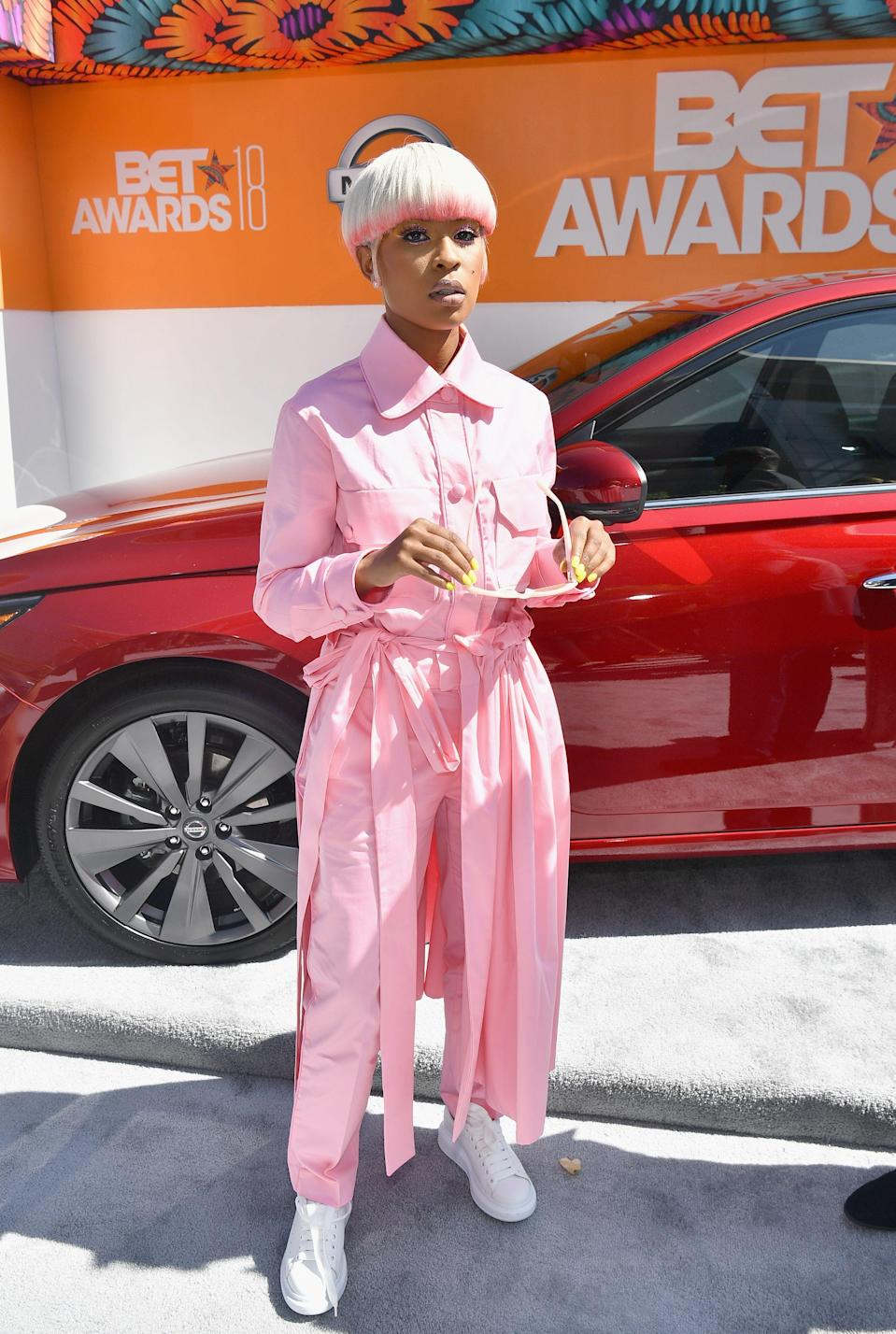 "<p>DeJ Loaf is taking millennial pink to a new head-to-toe level.</p><span class=""copyright"">Photo: Paras Griffin/Getty Images.</span>"