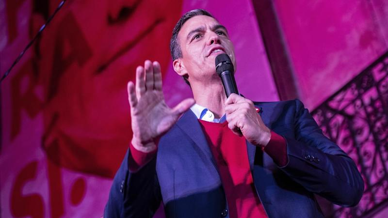 Spain's socialist leader Pedro Sanchez says he'll work towards forming a minority government