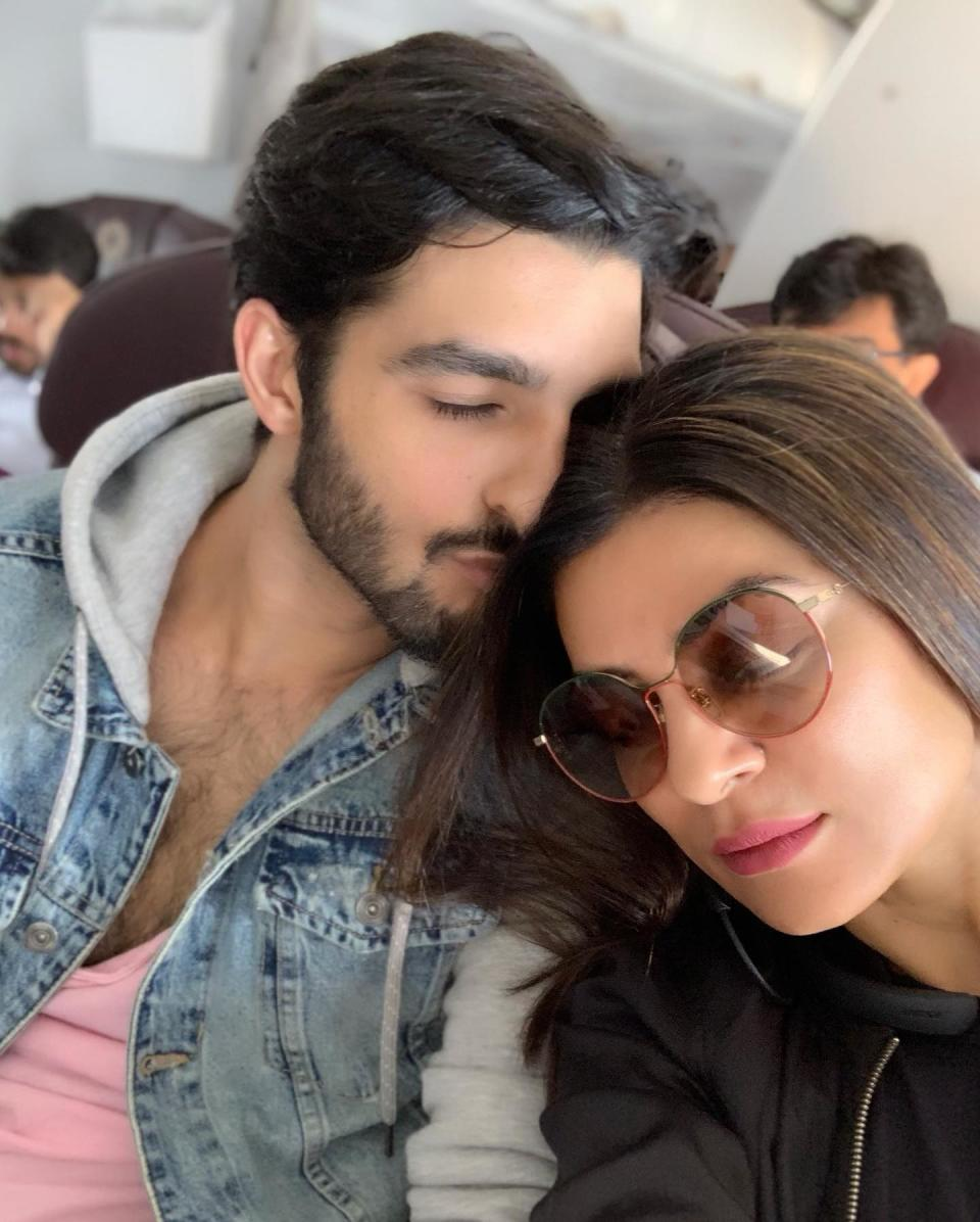 Meanwhile, the ever-so-lively and delightful Sushmita has found love. In a heart-to-heart with Rajeev Masand, she spills on how she discovered this fine gentleman on Instagram. The two connected, met over a coffee date and now they are here. The girls seem to enjoy his company too. Together they make a hot couple, always throwing some couple goals at us through their jaw-dropping workout videos. Again, you can find those on Instagram.