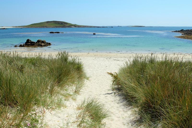 Rushy bay beach (Shutterstock)