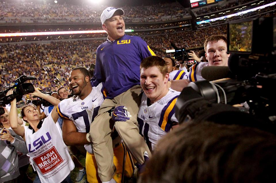 """A report by the law firm Husch Blackwell says a student was """"completely traumatized"""" in a confrontation with LSU Tigers head coach Les Miles."""