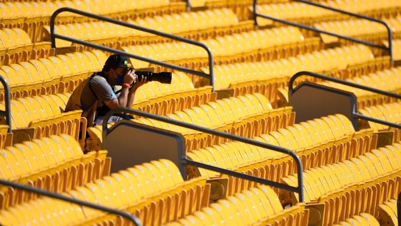 Steelers plan to host 5,500 fans on Sunday