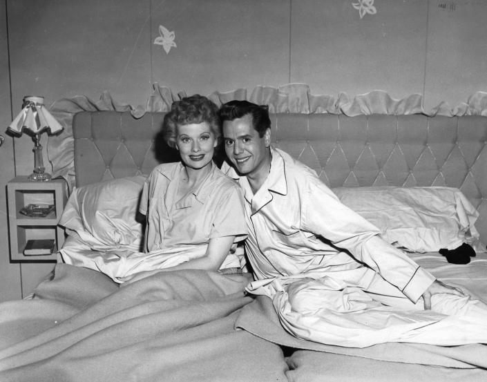Lucille Ball and Desi Arnaz in the pilot episode for