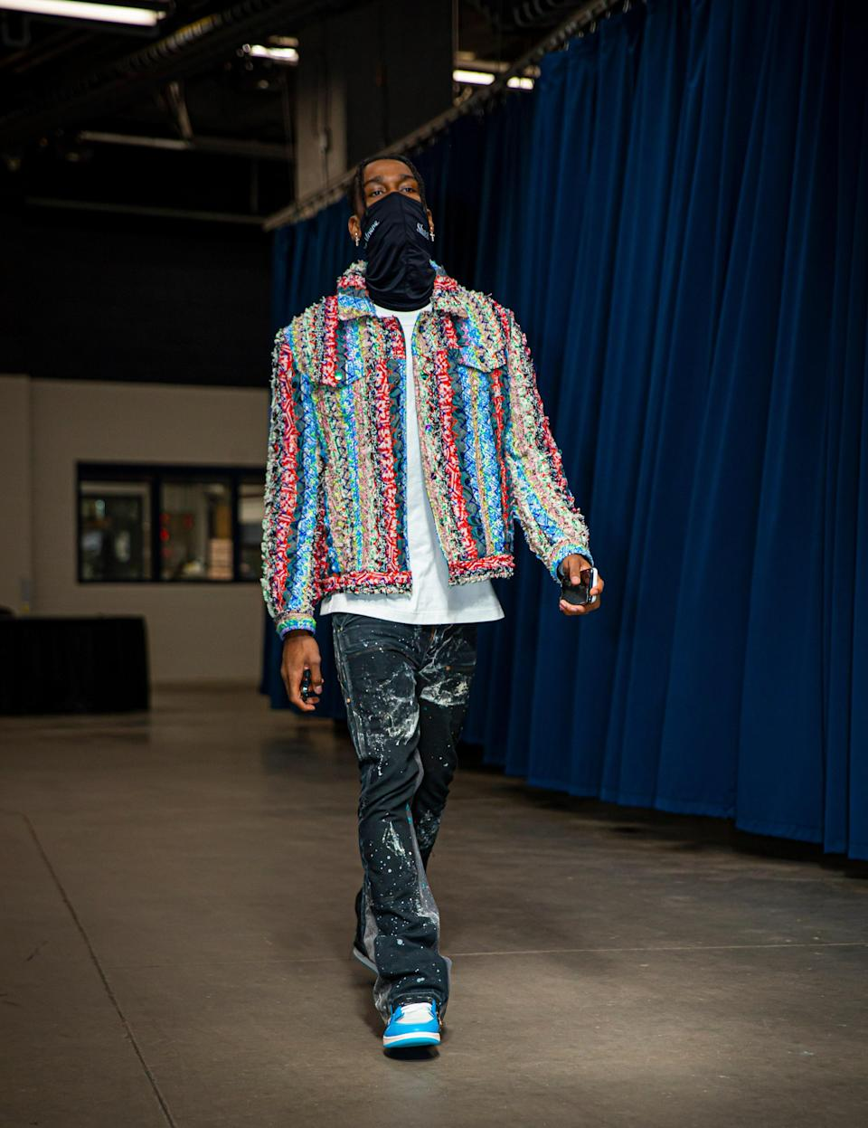 Shai Gilgeous-Alexander of the Oklahoma City Thunder arrives to a game against the Orlando Magic in Oklahoma City, December 29, 2020.