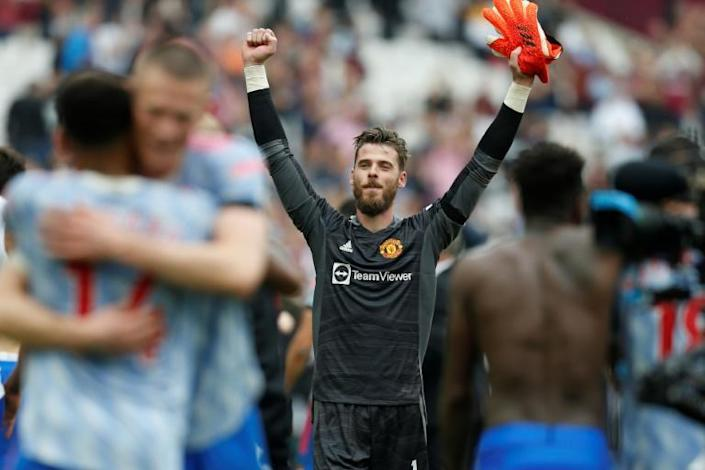 Chelsea cruise at Spurs, De Gea and Lingard star in Man Utd win