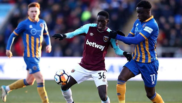 West Ham changed their minds over a deadline day loan move for their attacking prospect Domingos Quina, just moments before it was due to go through. The 18-year-old was all set for a temporary switch to League One outfit Scunthorpe United, report the ​Daily Mail. However, West Ham's recruitment team - led by Tony Henry - pulled the plug on the deal because the Hammers wanted Scunthorpe to pay a 'substantial' loan fee for Quna. Having only featured for the first team in Carabao Cup games this...