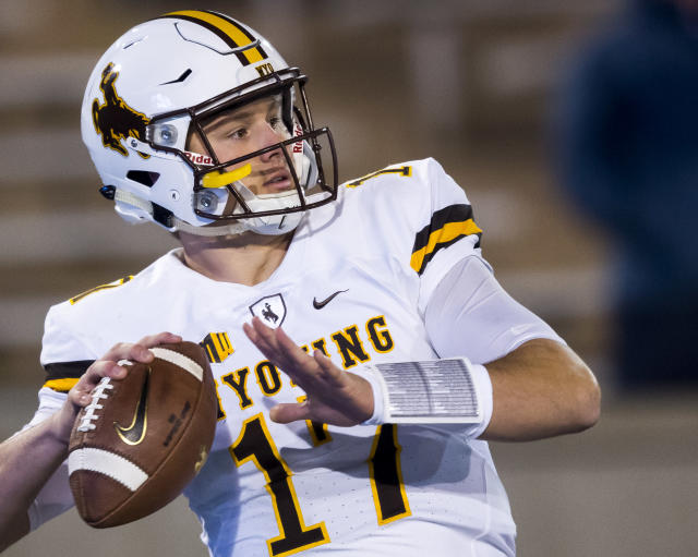 "Wyoming quarterback <a class=""link rapid-noclick-resp"" href=""/nfl/players/28032/"" data-ylk=""slk:Josh Allen"">Josh Allen</a> (17) warms up as they face off against Air Force in an NCAA college football game in Colorado Springs, Colo., Saturday Nov. 11, 2017. (Dougal Brownlie/The Gazette via AP)"