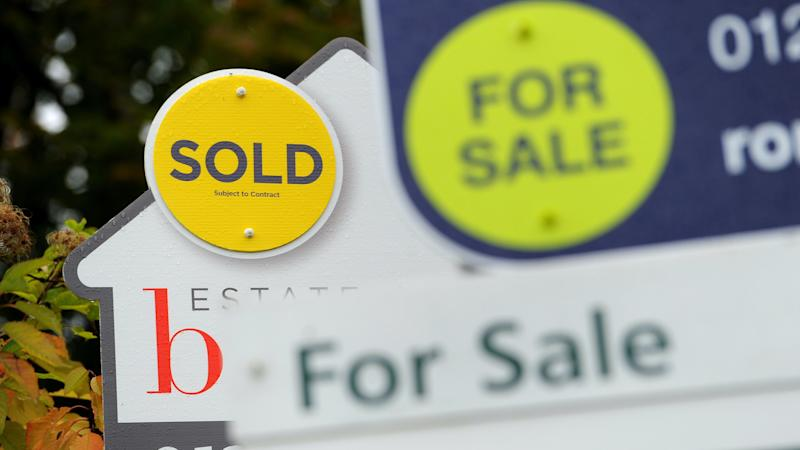 House sales higher in March than a year earlier