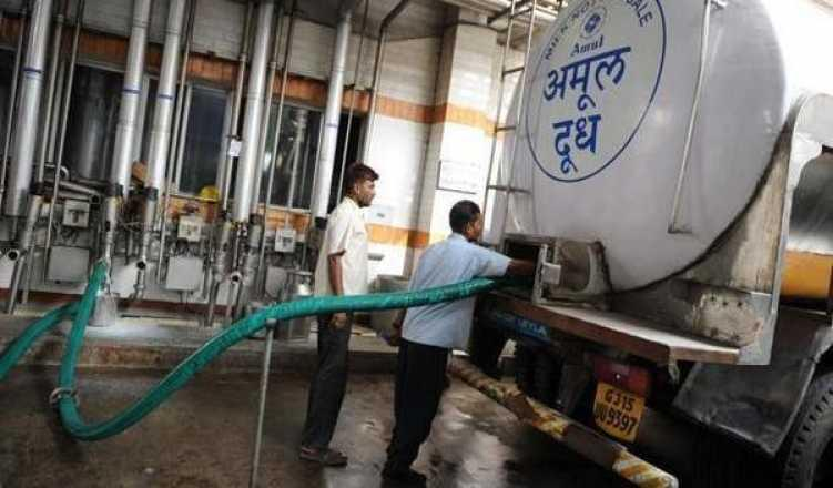 Amul hikes milk prices by Rs 2/ltr from tomorrow