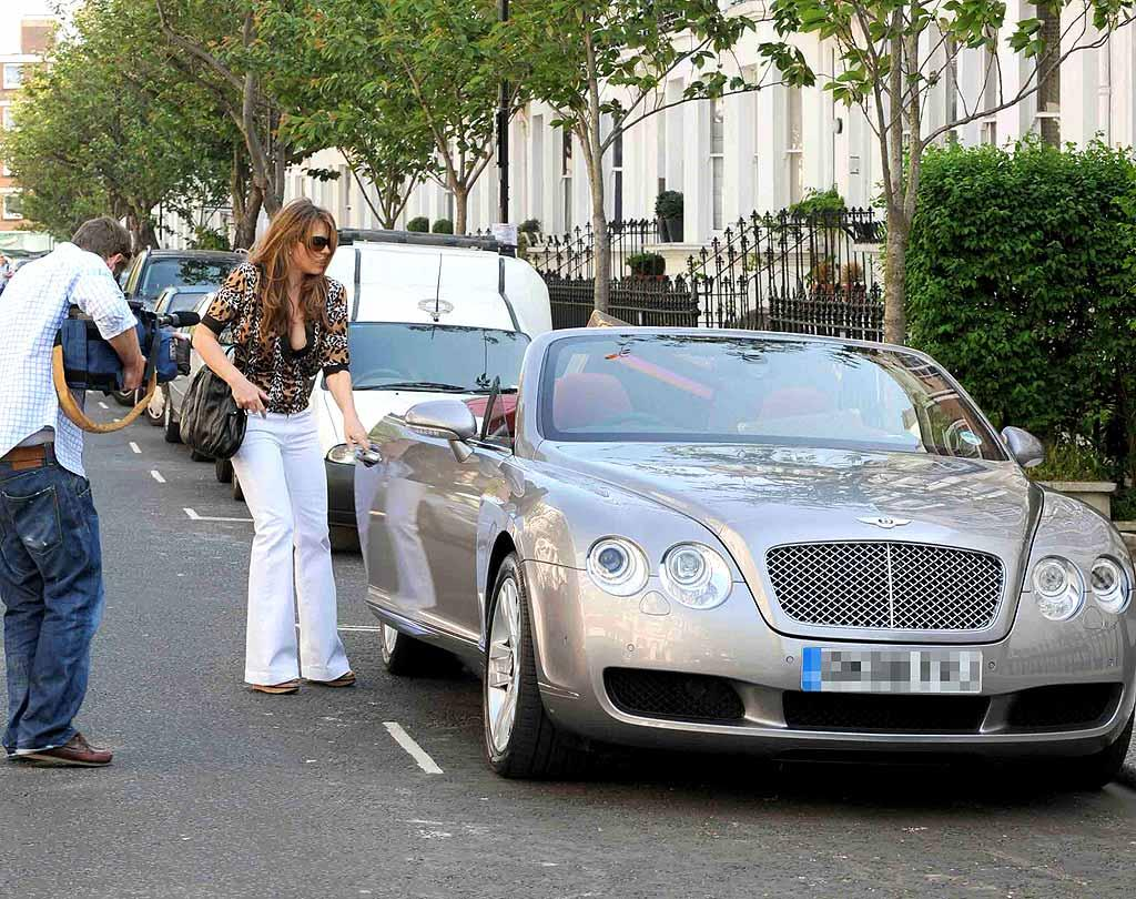 "Liz Hurley's metallic Bentley convertible is beyond beautiful. Goff/<a href=""http://www.infdaily.com"" target=""new"">INFDaily.com</a> - May 8, 2008"