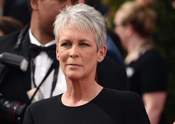 Jamie Lee Curtis told Everyday Health she didn't want to put burning chemicals on her hair anymore. (Getty Images)