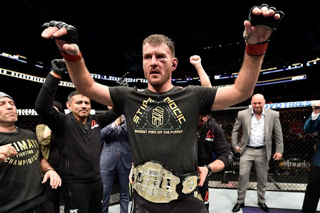 Stipe Miocic celebrates after his unanimous-decision victory over Francis Ngannou. (Getty Images)