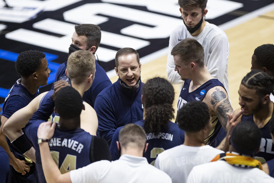 Oral Roberts is benefiting from Paul Mills' grind up the coaching ladder. (AP Photo/Robert Franklin)