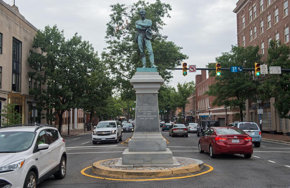 A statue honoring the Confederacy in downtown Alexandria, Va. (Paul J. Richards/AFP via Getty Images)