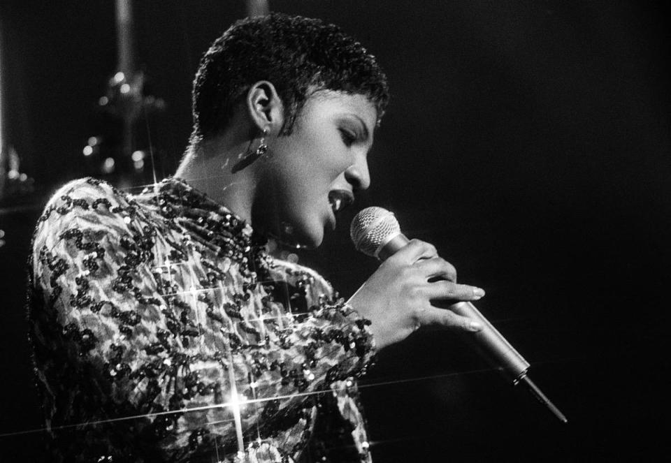ATLANTA - OCTOBER 14: Singer/Songwriter Toni Braxton performs during LaFace Records platinum celebrates party in Atlanta Georgia. October 14, 1993 (Photo By Rick Diamond/Getty Images)